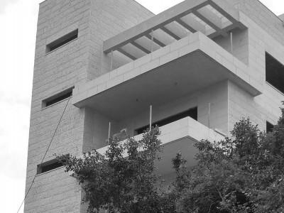 פרויקט יוקרה: פינסקי פינת קלר, חיפה. הקומה הרביעית.