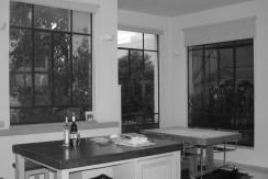 """דירת הגג האולטימטיבית מוצעת למכירה בלב העיר. כמה קרוב כבר אפשר לגור מ""""הבימה""""?"""