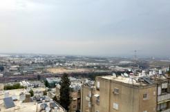 في نافي شئنان بشارع ار – 3 غرف واسعه ومريحه