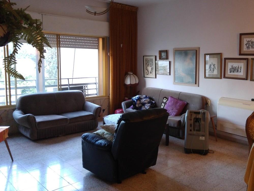 האחרון דירת 3 חדרים להשכרה בלב שכונת כרמליה המבוקשת, חיפה | יניב הס EH-86