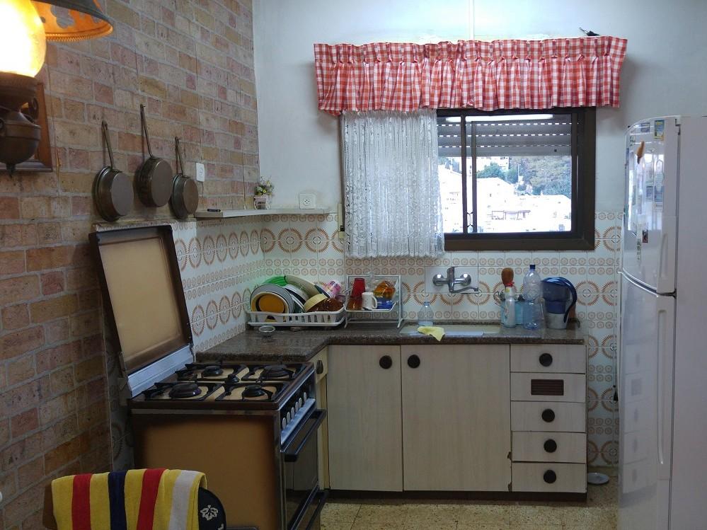 מאוד דירת 3 חדרים להשכרה בלב שכונת כרמליה המבוקשת, חיפה | יניב הס TM-54