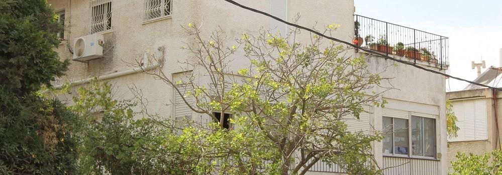 למכירה בבבלעדיות, במרכז הכרמל, חיפה – דירת ששה חדרים רחבת ידיים
