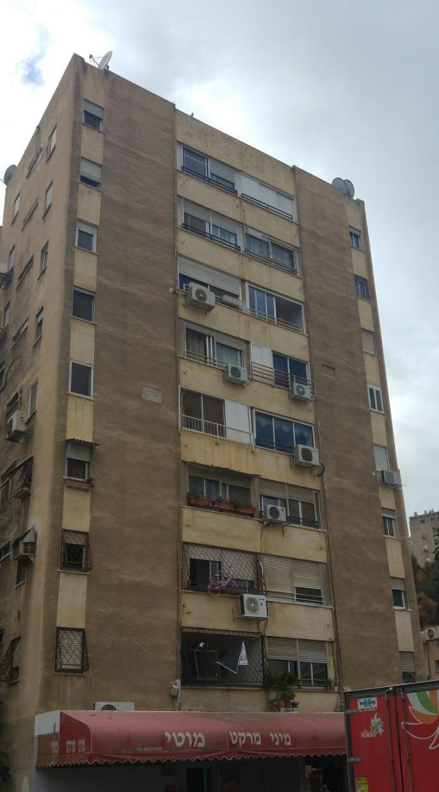 למכירה דירה בהזדמנות בשכונת נווה פז המתפתחת, חיפה: ציר צ'ק פוסט – טכניון.