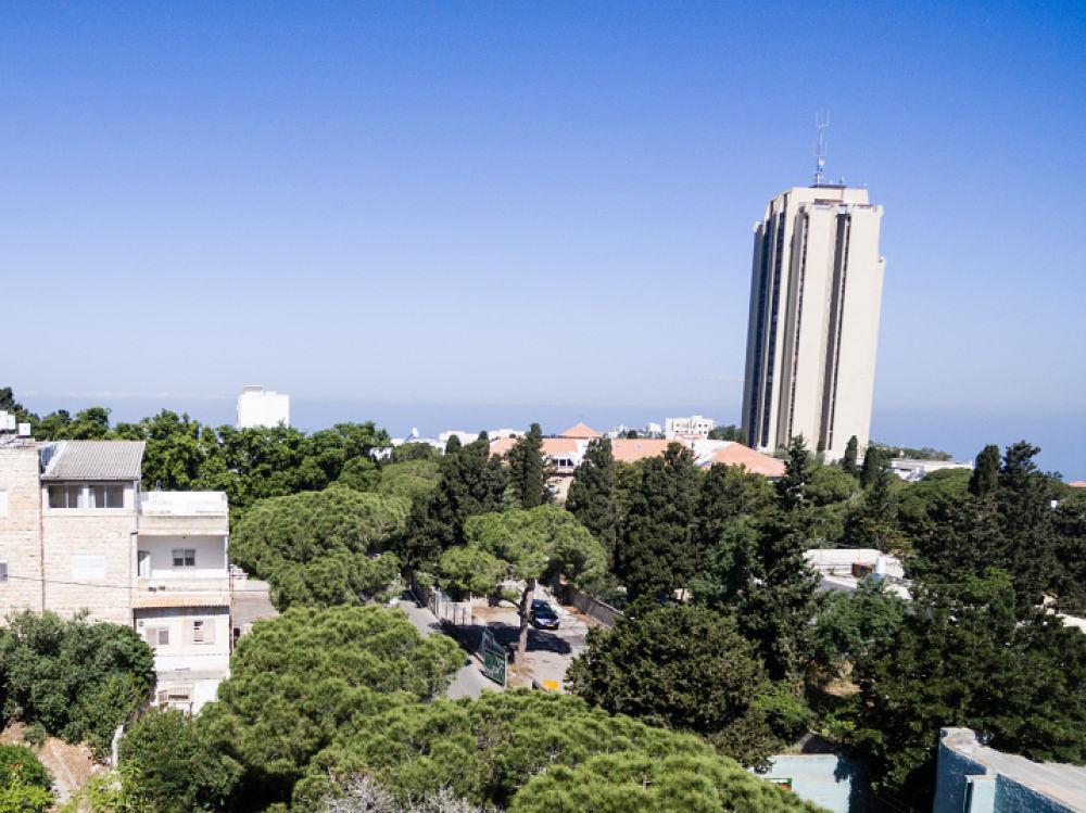 פרויקט מגידו 14, חיפה. דירת הפנטהאוז באגף הצפוני. 150 צעדים ממרכז הכרמל.