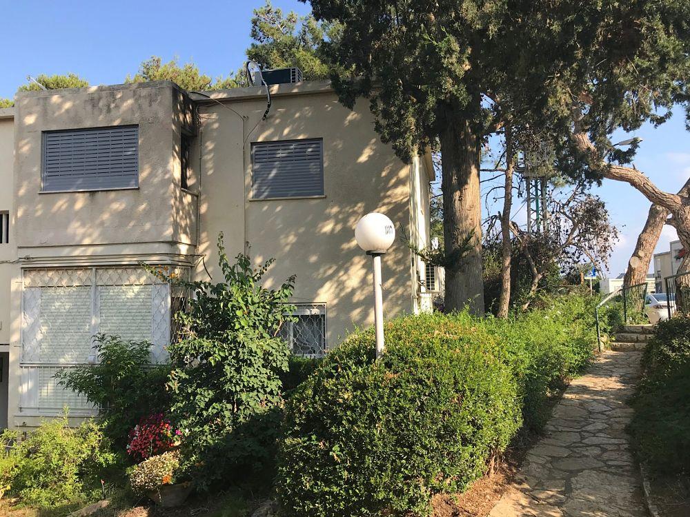 למכירה בבלעדיות, דירה מקסימה לאכלוס מיידי בלב הקיבוץ החיפאי!