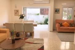 קוטג' נפלא למכירה ברמת אשכול, חיפה. חמישה חדרים מרווח ונעים ביותר.